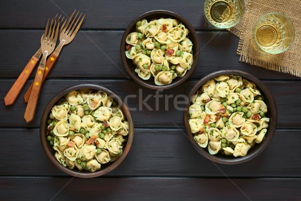 Tortellini salata bezelye domuz pastırması yeşil Stok fotoğraf © ildi