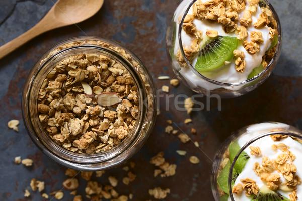 Knapperig amandel jar yoghurt Stockfoto © ildi