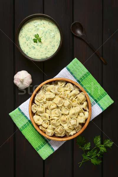 調理済みの トルテッリーニ 詰まった チーズ 木製 ボウル ストックフォト © ildi