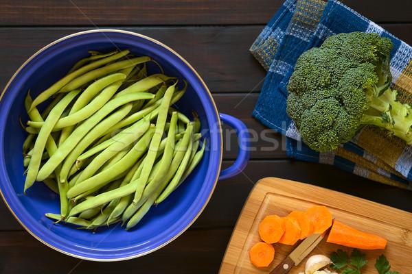 Nyers zöldbab brokkoli sárgarépa lövés zöldbab Stock fotó © ildi