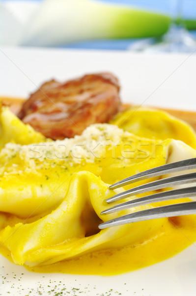 Ravioli fourche servi viande premier plan mise au point sélective Photo stock © ildi
