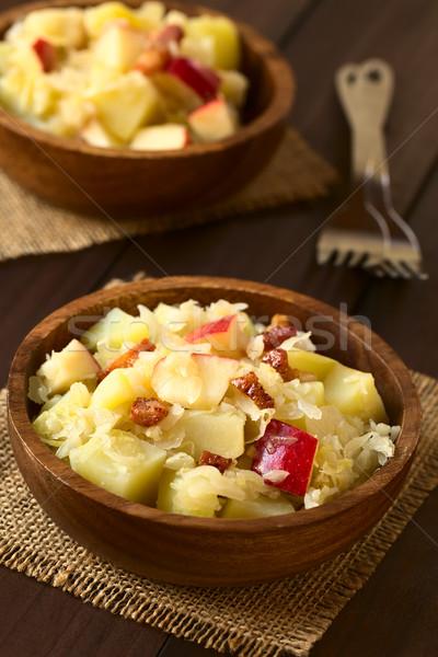 Aardappel zuurkool appel salade spek Stockfoto © ildi