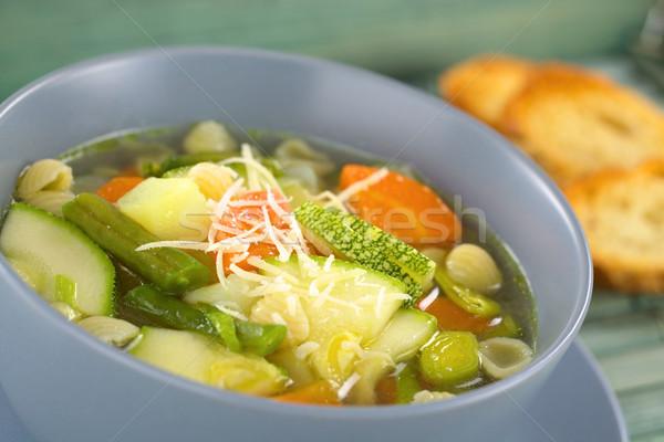 Fresche zuppa ciotola completo fatto in casa vegetariano Foto d'archivio © ildi