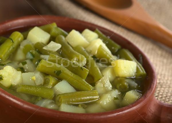 Groene bonen aardappel rustiek kom Maakt een reservekopie Stockfoto © ildi