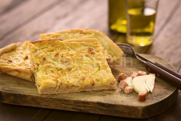 タマネギ ケーキ ピース 伝統的な 酵母 玉葱 ストックフォト © ildi