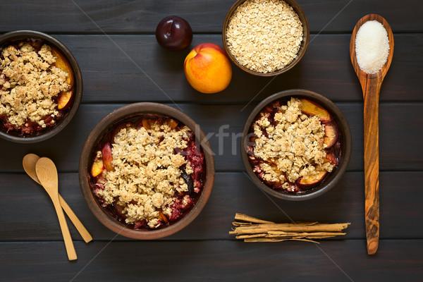 Prune nectarine coup rustique bols Photo stock © ildi