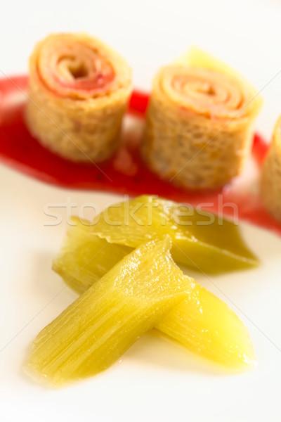 świeże rabarbar domowej roboty krepa truskawki Zdjęcia stock © ildi