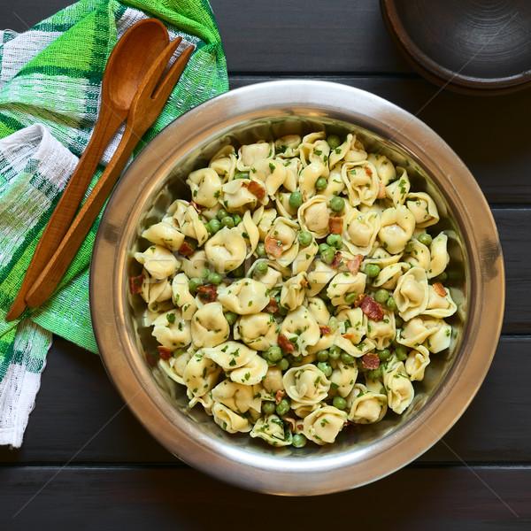 Tortellini salada ervilhas bacon verde frito Foto stock © ildi