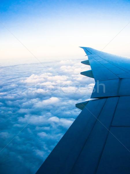 Kék ég felhők légifelvétel ablak üzletember utazás Stock fotó © ilolab