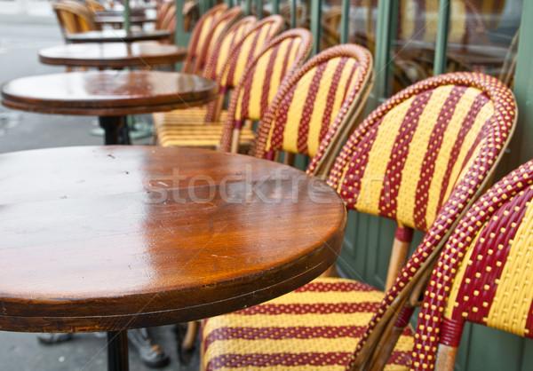 Vue sur la rue café terrasse vide bâtiment rue Photo stock © ilolab