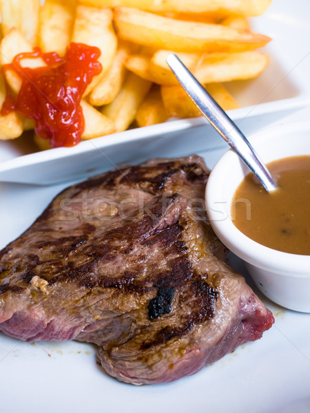 Foto stock: Jugoso · filete · ternera · carne · de · vacuno · carne · tomate