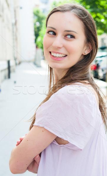 Schönen anziehend lächelnd schauen zurück Stock foto © ilolab