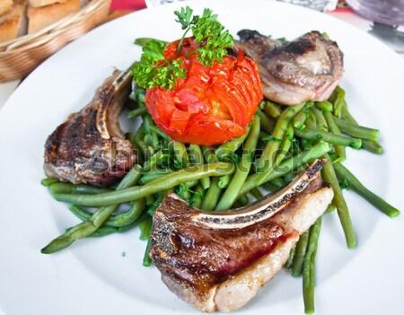 Sappig biefstuk vers groene bonen diner vlees Stockfoto © ilolab