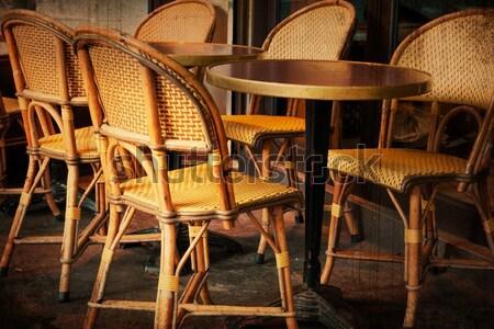 Koffie terras uitzicht op straat partij restaurant tabel Stockfoto © ilolab