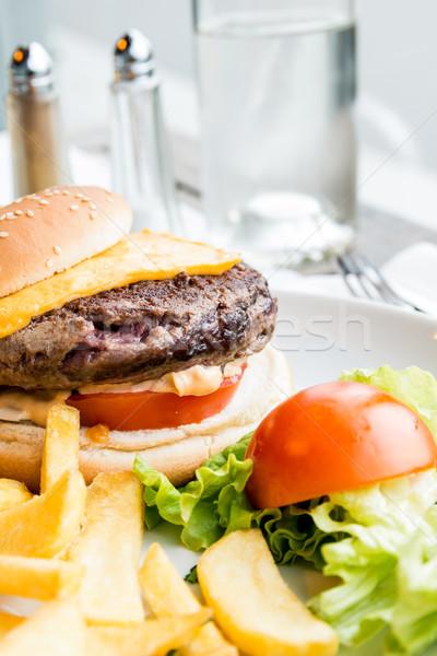 Hamburguesa queso Burger americano frescos ensalada Foto stock © ilolab