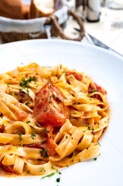 Savoureux pâtes viande sauce table feuille Photo stock © ilolab