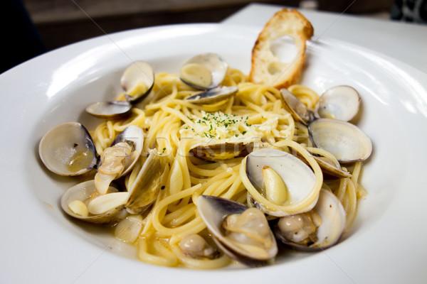 Pâtes clam dîner plat table rouge Photo stock © ilolab