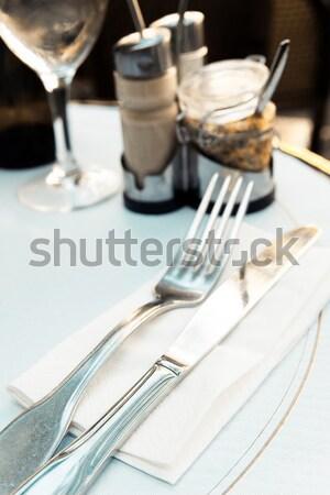 Vue sur la rue café terrasse vide bâtiment restaurant Photo stock © ilolab