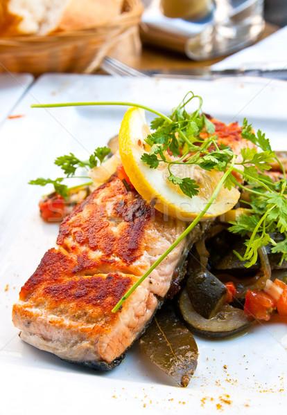 焼き 鮭 レモン フランス料理 皿 トマト ストックフォト © ilolab