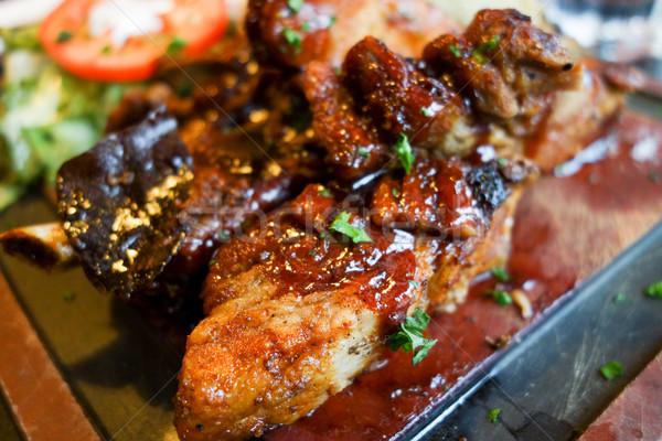 焼き ステーキ 肉のグリル リブ プレート ホットソース ストックフォト © ilolab