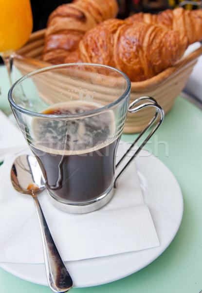 Stok fotoğraf: Kahvaltı · kahve · kruvasan · sepet · tablo · turuncu