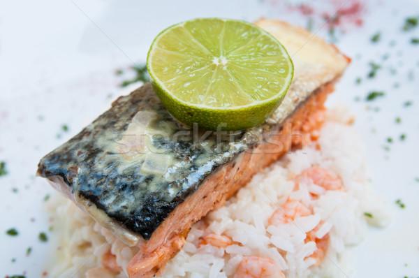 Grelhado salmão limão cozinha francesa prato tomates Foto stock © ilolab