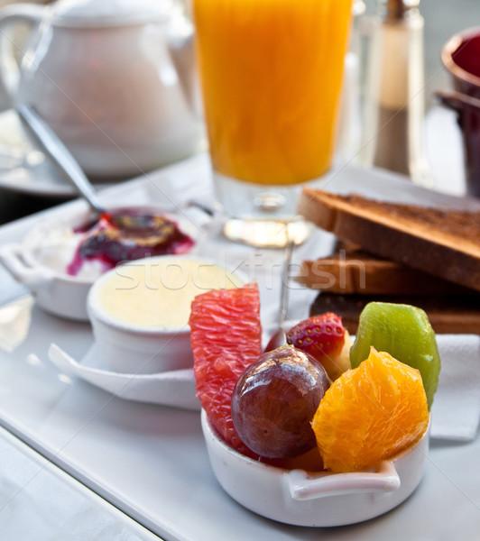 Ontbijt sinaasappelsap vers vruchten tabel eten Stockfoto © ilolab