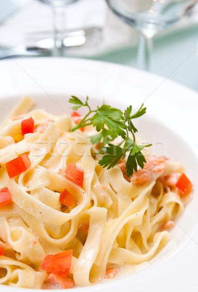 Smakelijk pasta zalm plaat gerookte zalm Stockfoto © ilolab