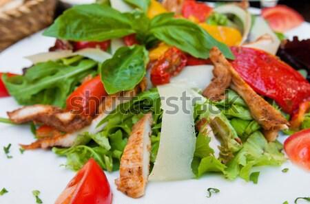 Friss csirkesaláta paradicsomok sajt olaj vacsora Stock fotó © ilolab