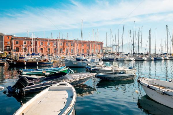 Vista de la calle Nápoles puerto barcos Italia Europa Foto stock © ilolab