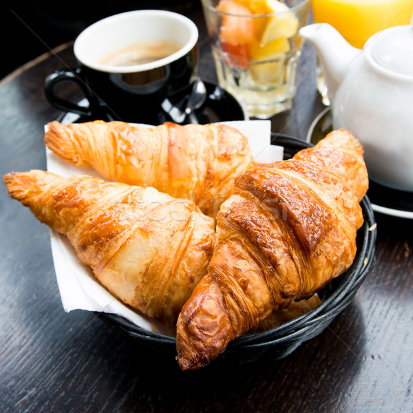 Café croissants déjeuner panier table orange Photo stock © ilolab