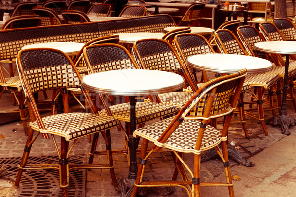 Traditioneel parijzenaar koffie uitzicht op straat terras partij Stockfoto © ilolab