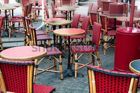 Vue sur la rue café terrasse fête restaurant table Photo stock © ilolab