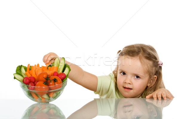 Bambina rubare vegetali ciotola carota stick Foto d'archivio © ilona75