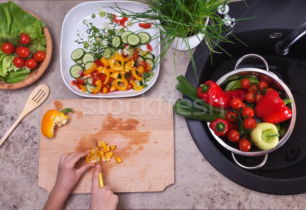 Eller sarı biber sebze salata Stok fotoğraf © ilona75