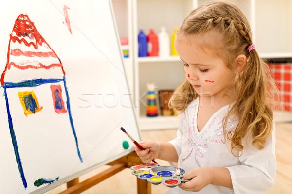 Peu artiste fille peinture papier Photo stock © ilona75