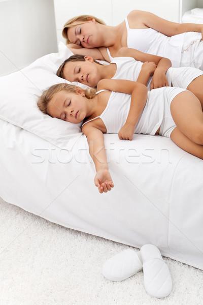 Saludable personas toma siesta mujer ninos Foto stock © ilona75
