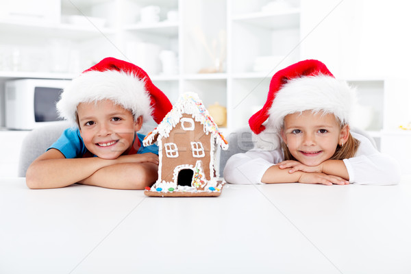 счастливым дети пряничный дома Рождества кухне Сток-фото © ilona75