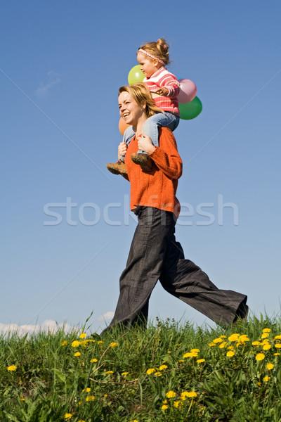 Courir printemps domaine heureux mère enfant Photo stock © ilona75