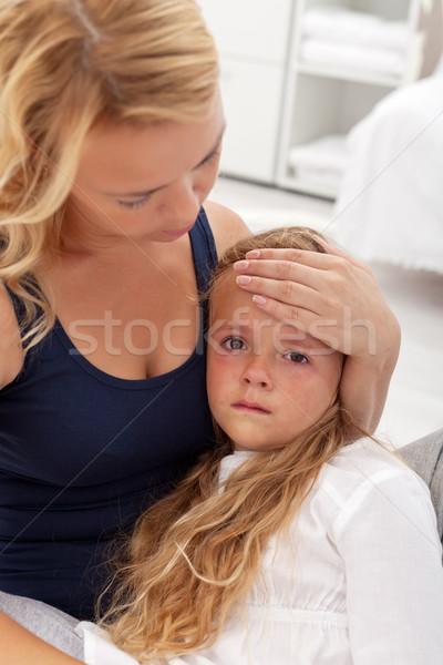 Stock fotó: Beteg · gyermek · anya · kislány · ül · anyák