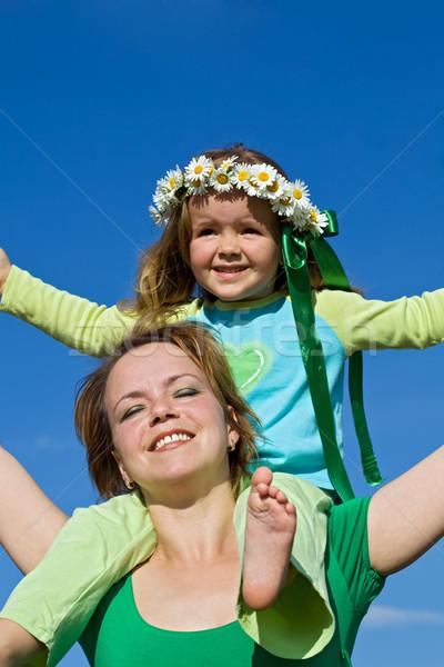 Mujer nina primavera dom familia sonrisa Foto stock © ilona75