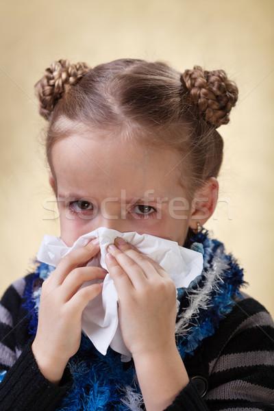 ストックフォト: 女の子 · インフルエンザ · 鼻をかむ · 赤 · 目 · 少女