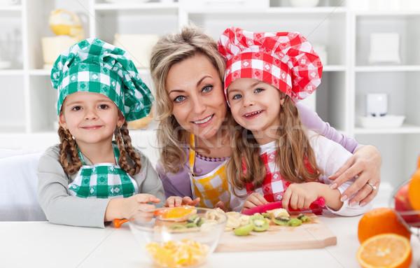 Сток-фото: счастливым · Повара · кухне · женщину · портрет