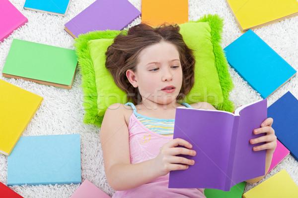 Stockfoto: Jong · meisje · lezing · kleurrijk · boeken · gezicht · gelukkig