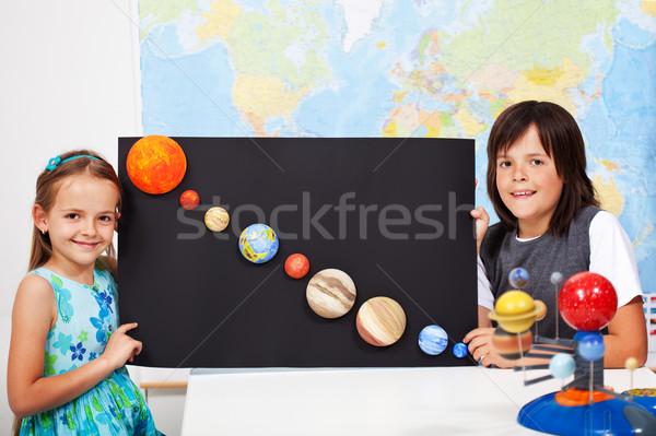 Foto stock: Crianças · ciência · classe · estudar · sistema · solar · escola · primária