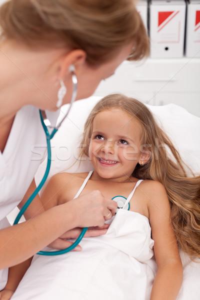 Photo stock: Santé · professionnels · up · petite · fille · heureux