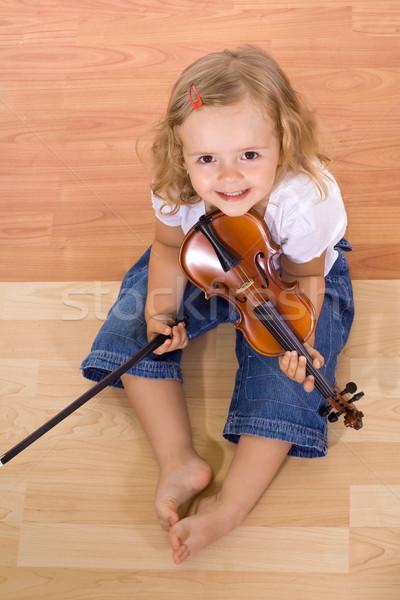 Stok fotoğraf: Küçük · müzisyen · kız · küçük · kız · oturma · zemin