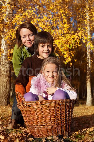ősz családi portré levelek kert lány természet Stock fotó © ilona75