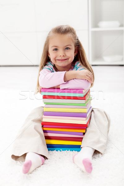 Foto stock: Aprender · sabedoria · little · girl · colorido · livros