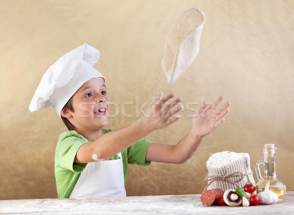 Foto d'archivio: Pizza · ragazzo · alimentare